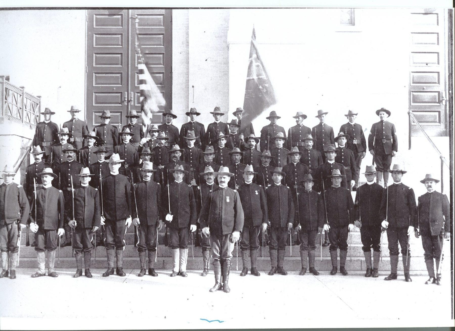 1913 photo of the Hibernian Rifles