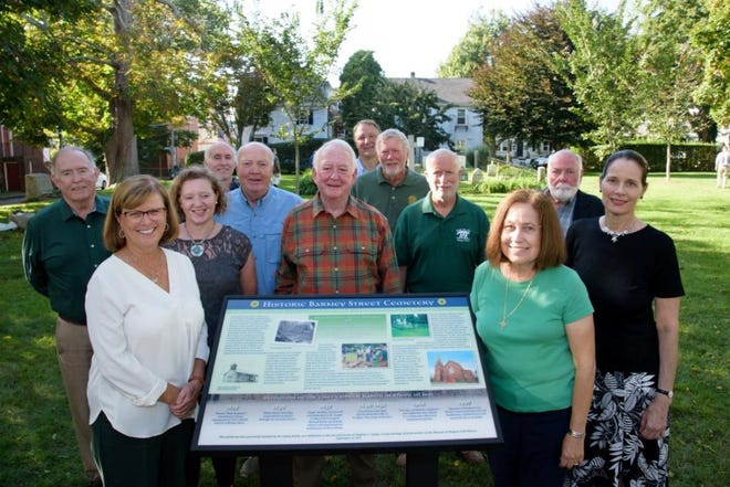 """Newport Daily News – """"Sign notes cemetery's significance for Irish"""""""
